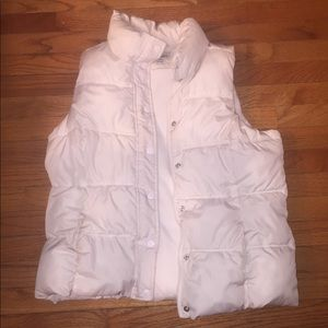 Old Navy Large Puffer Vest Cream off white